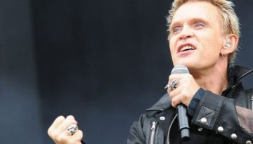Billy-Idol-at-Download-festival