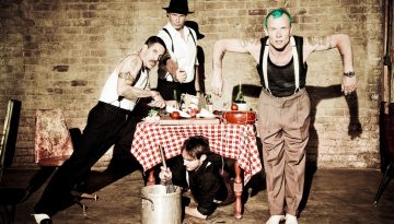 Red_Hot_Chili_Peppers_2012-07-02_001