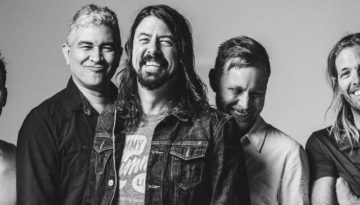 foofightersblackandwhite