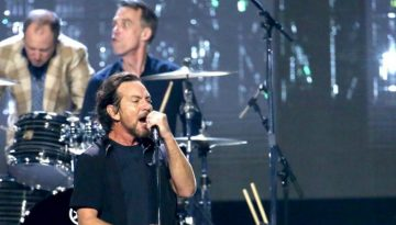 NEW YORK, NY - APRIL 07:  Inductee Eddie Vedder performs onstage at the 32nd Annual Rock & Roll Hall Of Fame Induction Ceremony at Barclays Center on April 7, 2017 in New York City. Debuting on HBO Saturday, April 29, 2017 at 8:00 pm ET/PT  (Photo by Kevin Kane/WireImage for Rock and Roll Hall of Fame)