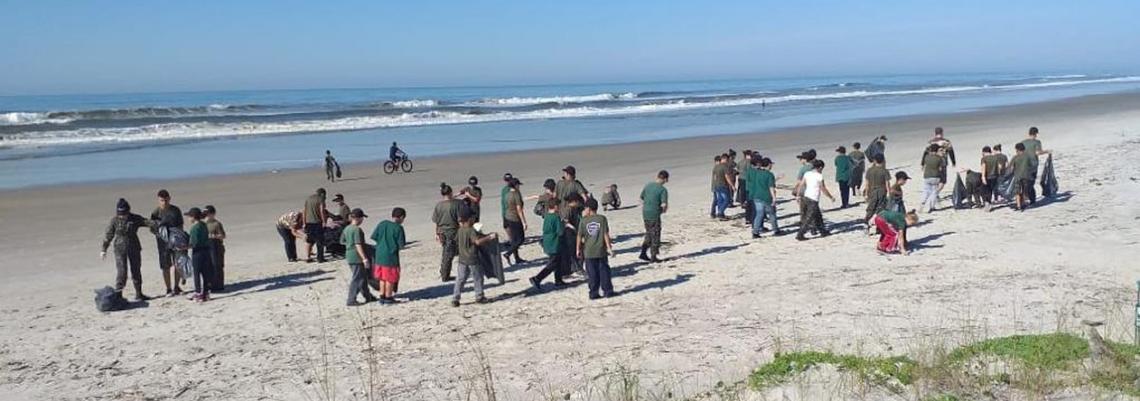parceiros do mar limpam praias paranaenses