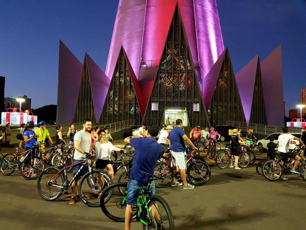 pedal noturno bicicultura toda quinta às 19h30 saída ATI parque do ingá