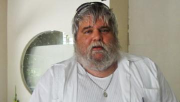 O produtor Carlos Eduardo Miranda morreu na noite dessa quinta (22), em São Paulo. Ele produziu os primeiros álbuns do Skank e Raimundos, entre outros.