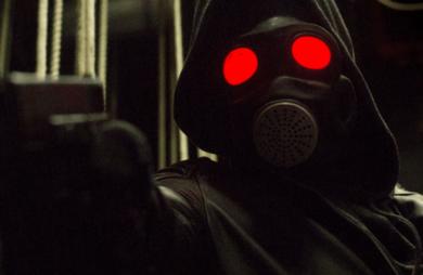 A adaptação da HQ nacional O Doutrinador ganhou seu primeiro trailer completo. O vídeo mostra o surgimento do vigilante mascarado.