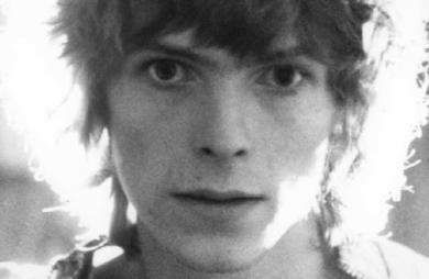 The First Five Years é um novo documentário sobre o começo da carreira de David Bowie. Produzido pelo canal britânico BBC, o filme será lançado em 2019.
