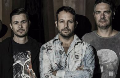 A banda tradicional do rock curitibano, Senhor Banana, lançou recentemente clipe para sua mais nova música: Não Vá. Confira!