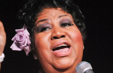 """Também conhecida como """"Rainha do Soul"""", Aretha Franklin foi diagnosticada com câncer em 2010. Segundo amigo da família, ela está gravemente doente."""