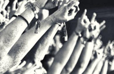 Estudo indica que heavy metal faz bem para saúde mental dos fãs.
